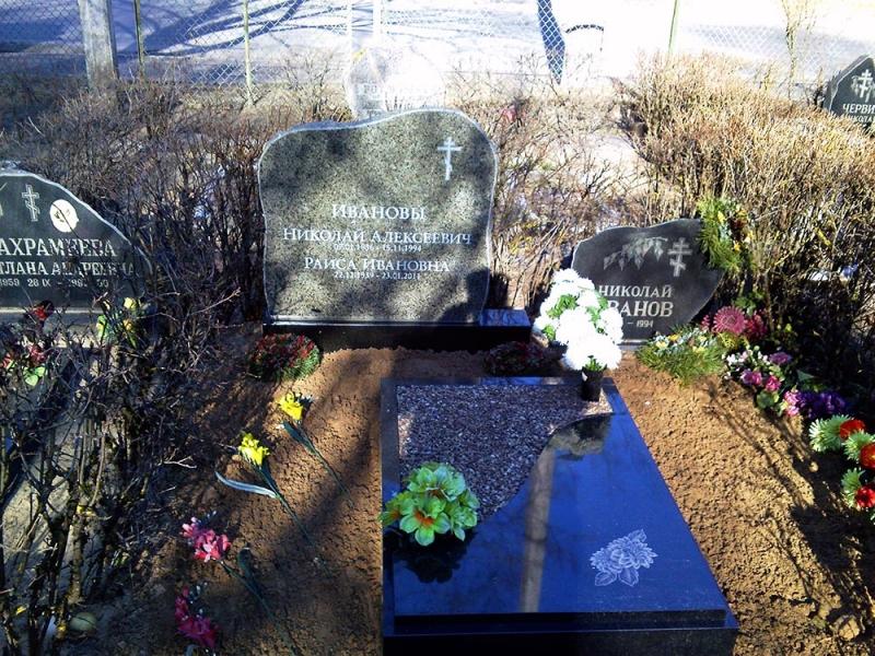 Granīta kapu ramītis dizajnera darbs