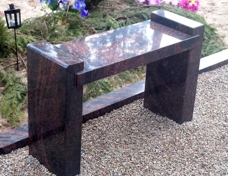 Полированная гранитная скамейка