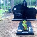 Ekskluzīvs kapu pieminekļu ansamblis no melna granīta