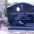 Pulēts granīta kapu piemineklis