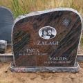 Kalts granīta piemineklis ar fotokeramiku